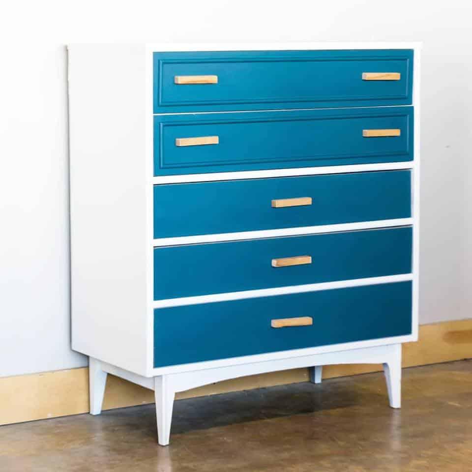 socialgood_furniture