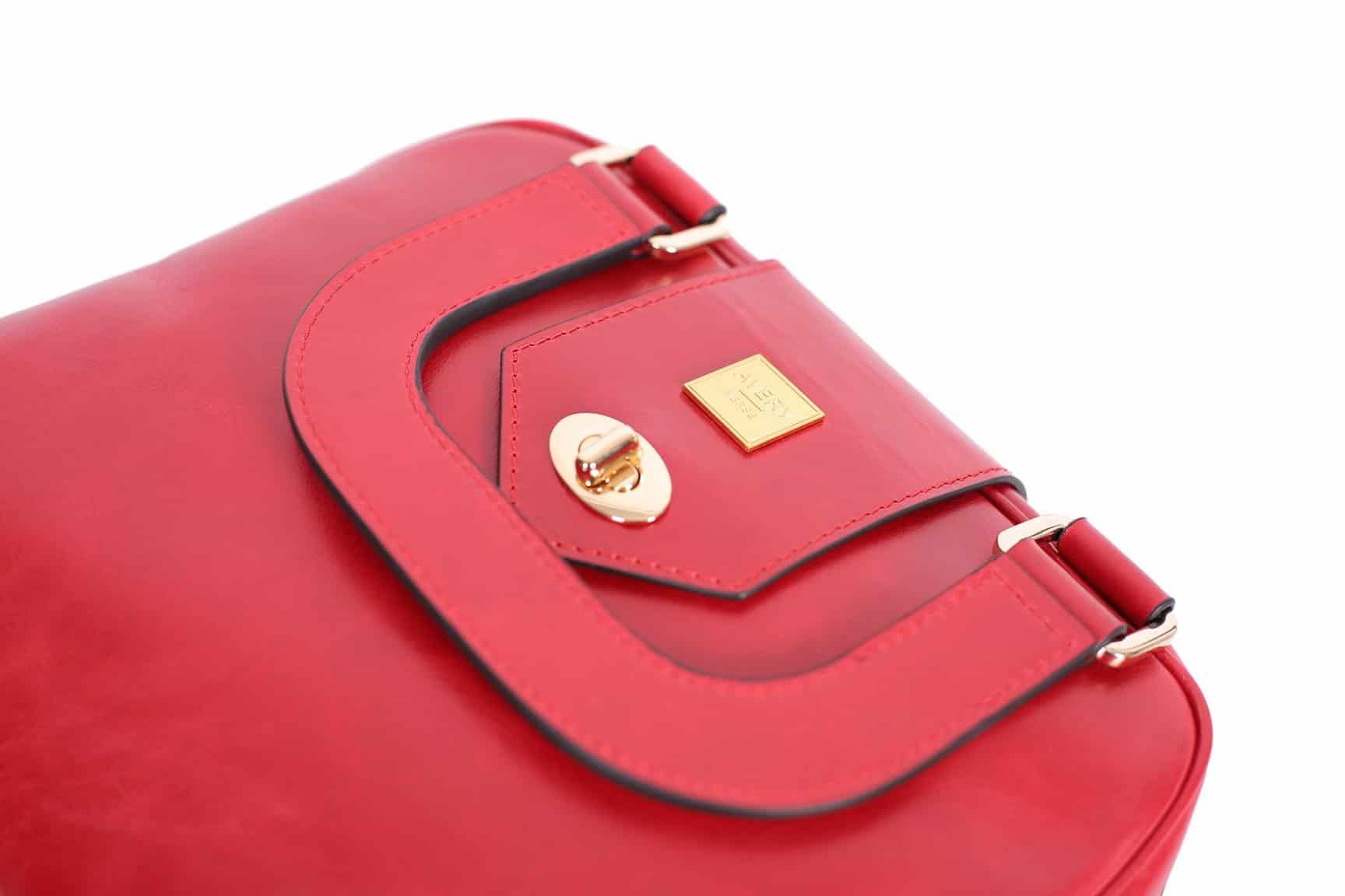 averyverse_red_luxury