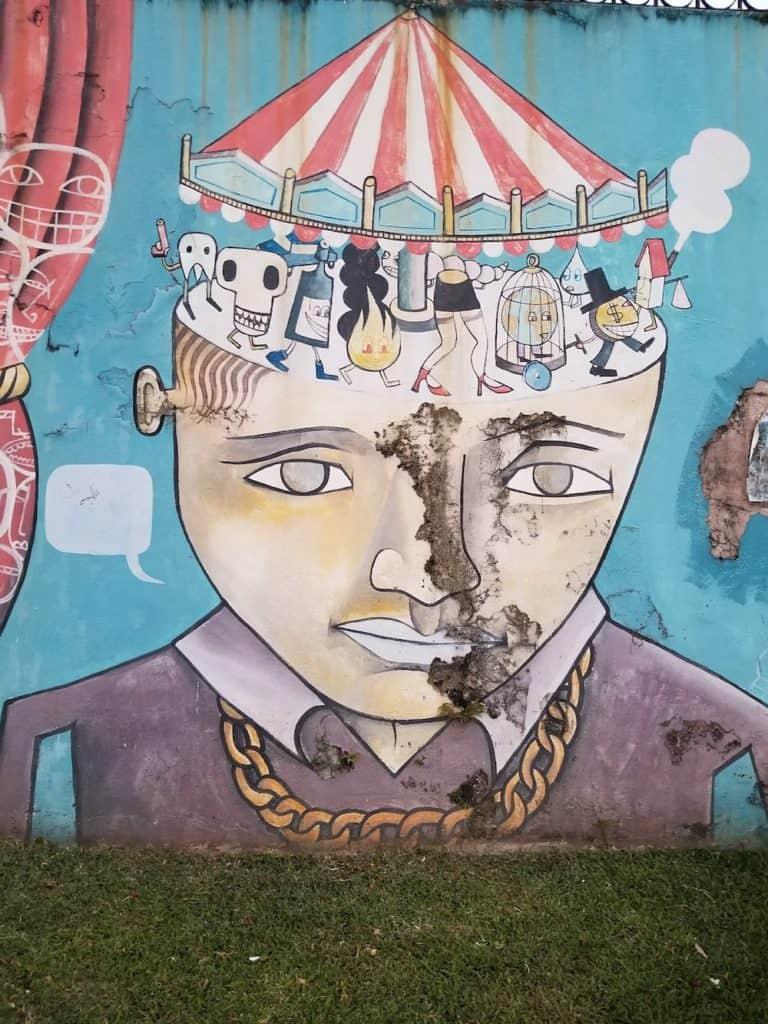 Political Graffiti_urban_adventures