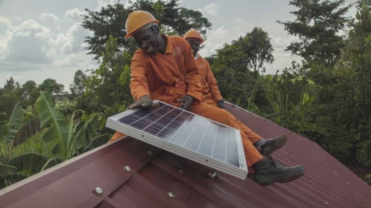 Uganda_SolarNow-23_impact_investing
